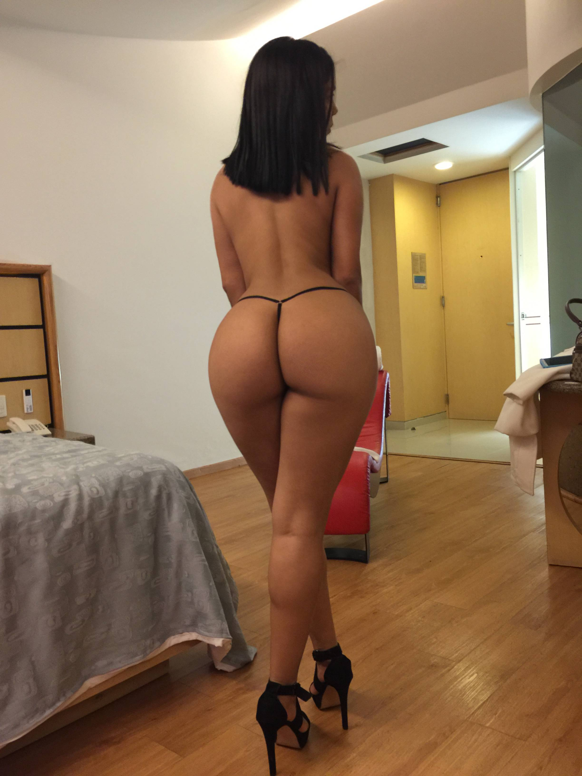 hot naked latina beauties