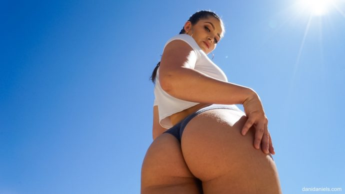 Dani Daniels Shows Her Big Ass And Takes Black Cock From Prince 2