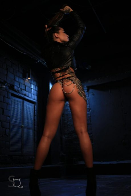 Hot Ass Tattooed Babes Pose In The Dark 2