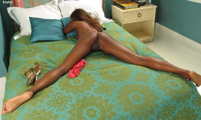 India Ebony Goddess Reveals Her Tight Bum 14