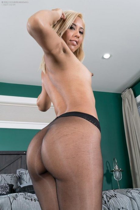 demi lopez ass in stockings 5 greatnass.com_