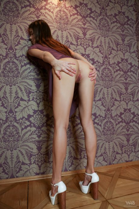 skinny babe brit long legs and hot ass 8 greatnass.com_