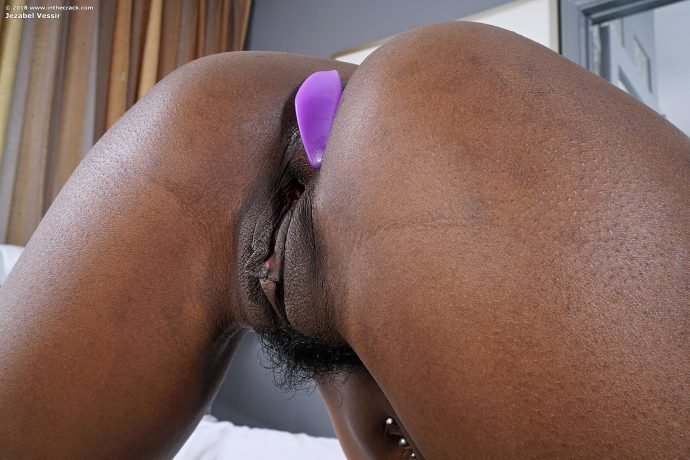 Jezabel Vessir gorgeous slim ebony beauty 13 greatnass.com_