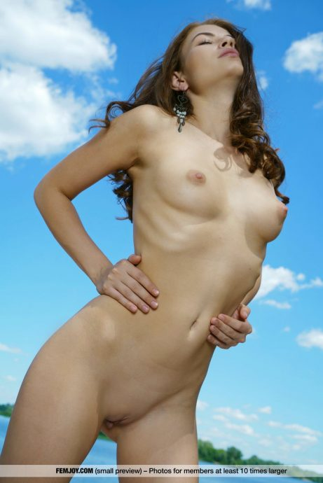 young hottie paula tanning naked by the lake 7 greatnass.com_