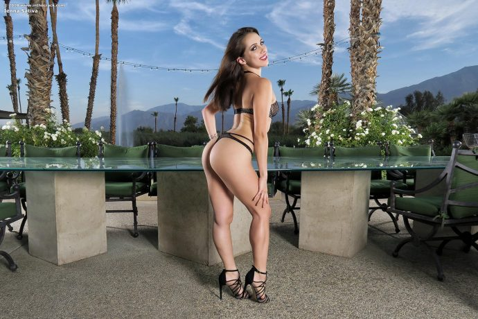 jena sativa presents her tight body 1 greatnass.com_