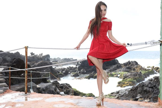 li moon hot asian posing in a sexy red dress 5 greatnass.com_