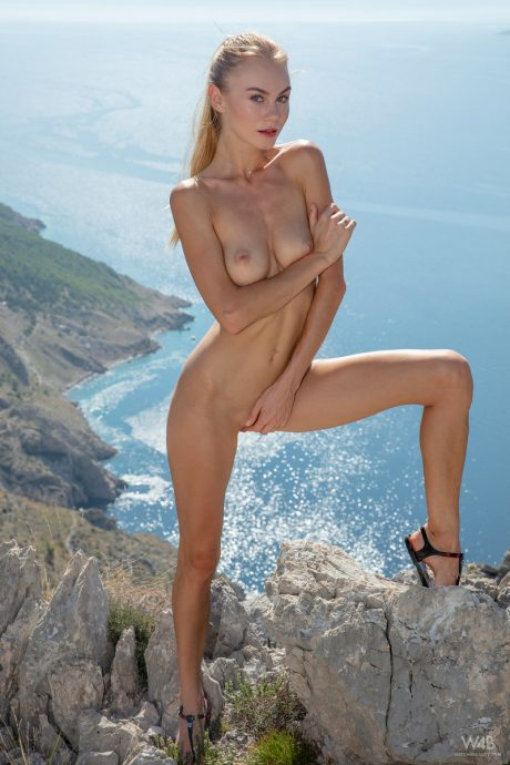 Nancy A goes on a hike and shows her sexy body from the top 13 greatnass.com_