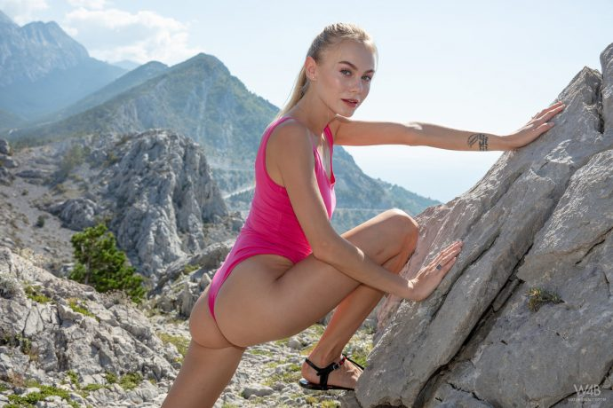 Nancy A goes on a hike and shows her sexy body from the top 4 greatnass.com_
