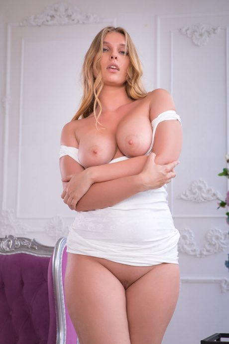 Voluptuous Nastasy curvy blonde with a great ass 4 greatnass.com_